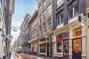 For rent: Apartment Amsterdam Warmoesstraat