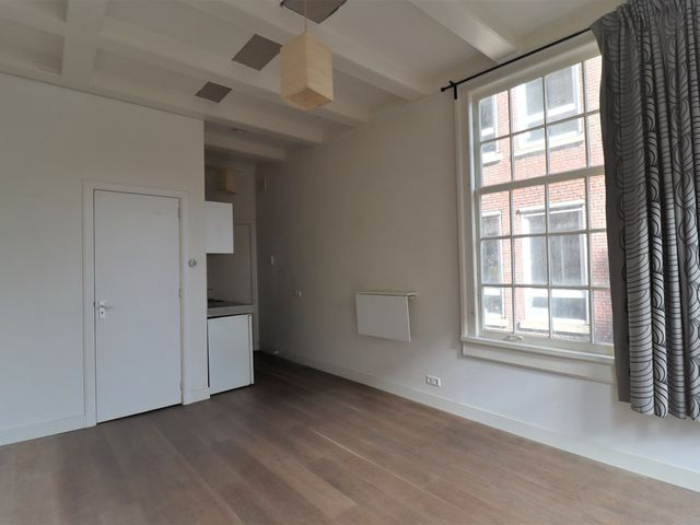 For rent: Studio Amsterdam Zoutsteeg