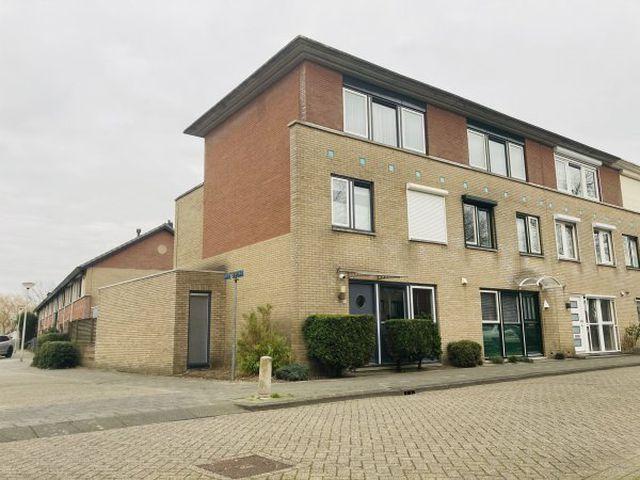 Te huur: Huurwoning Spijkenisse Else van der Banstraat