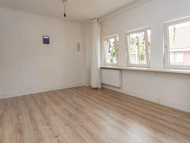 For rent: House Den Haag Van Vlotenstraat