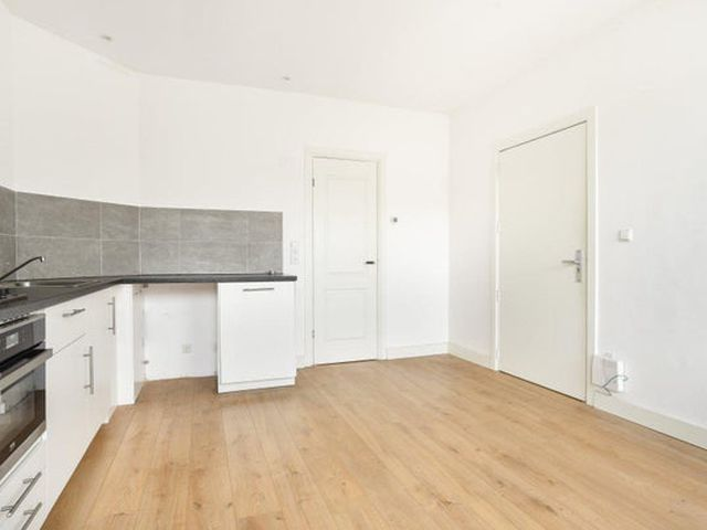 For rent: Apartment Amsterdam Riouwstraat
