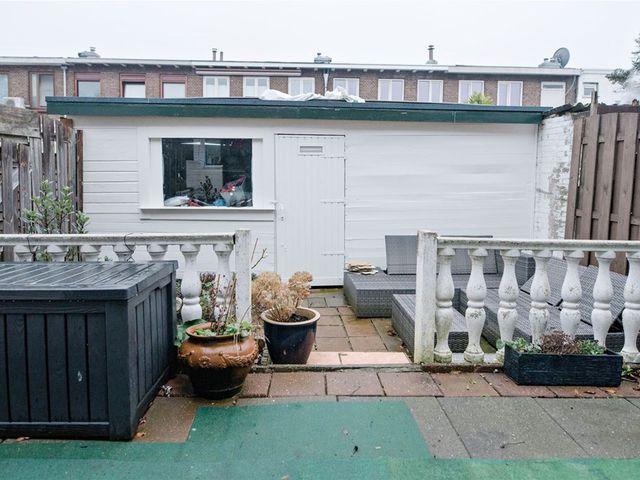 For rent: House Dordrecht Jacob Van Lennepstraat