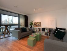Apartment Maashaven O.z. in Rotterdam
