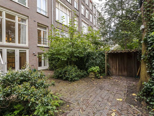 For rent: House Amsterdam Valeriusplein