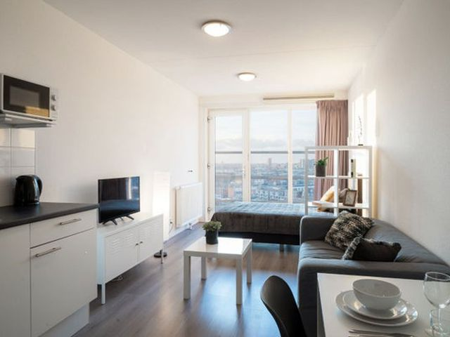 For rent: Apartment Den Haag Stationsplein
