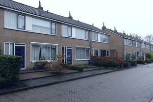 For rent: Room Opeinde Middelbuorren